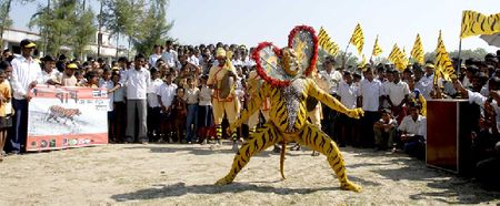 Traditional tiger dancers performing during the march © Joydip Suchandra Kundu/Sanctuary